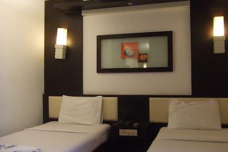 ภูหลวง Budget Hotel - Tambon Kut Pong