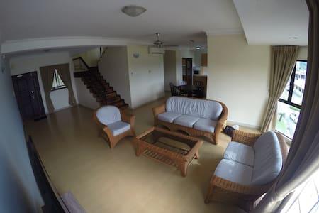 Duplex 3- Rooms 3 Wash 1 Full Kitchen Condo - Kota Kinabalu - Appartement
