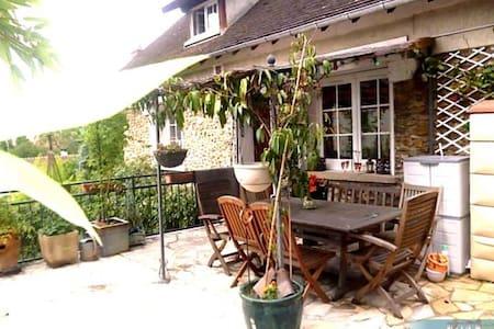 Jolie maison de charme dans quartier calme - Cormeilles-en-Parisis