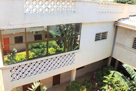 Appartement spacieux résidence Bè Kpota, Lomé - Társasház