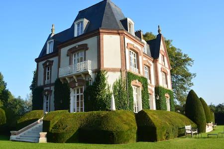 Chambre de Jaspe BNB Château - Bed & Breakfast
