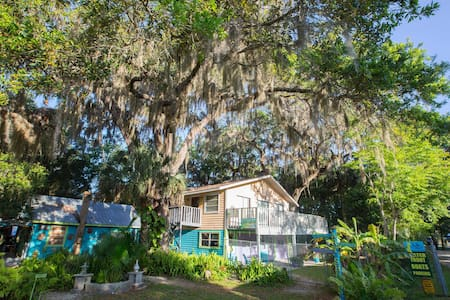 Treehouse, Old Homosassa / On River - Lombház
