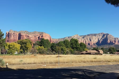 Red Rocks Retro Retreat - Sedona - Townhouse