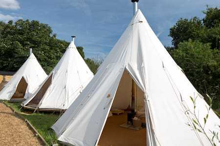 Wild Harvest Tipis and Activities - East Cottingwith - Tipi