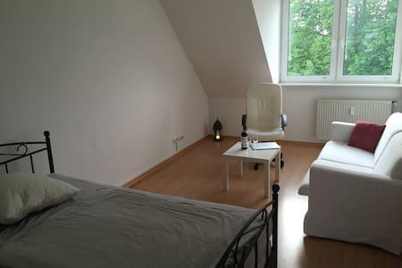 Wohung im Herzen von Hamburg - groß und hell - Hamburg - Apartment