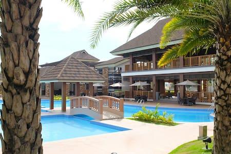 BRAND NEW Resort Condo+HiSpeed WiFi - Cebu City - Condomínio