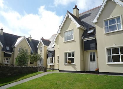 Durrus Holiday Homes, Durrus, Co.Cork Type C - 3 Bed - Sleeps 5 - Durrus - Casa