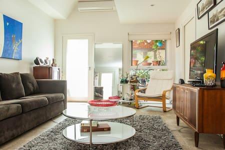 Funky Fitzroy Studio Apartment - Apartamento