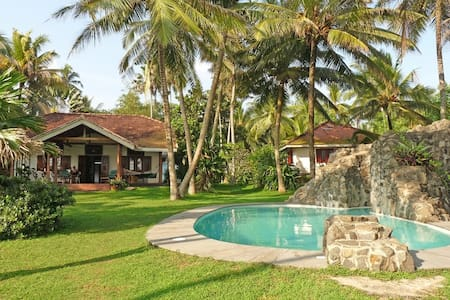 STUNNING BEACHFRONT VILLA WELIGAMA
