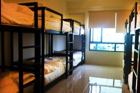 12 beds dorm room - Hus