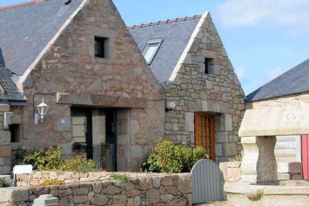 Typique Maison de pêcheur Kerheol - House