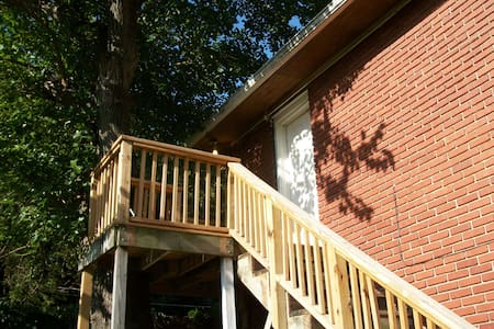 Tree House Apartment in Historic Brady Heights - Tulsa - Wohnung