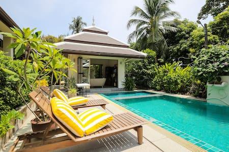 Mid-size 5 bedroom luxury villa for rent - Casa