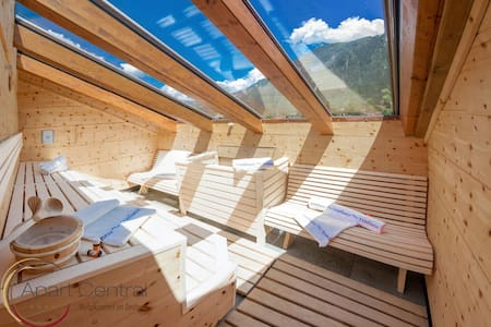 135m² Penthouse with outdoor sauna - Lakás