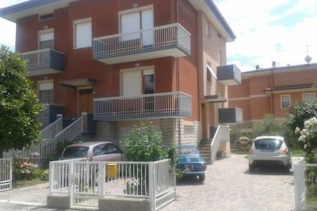 B&B Raffaello N. 2  appartamenti vacanze da 60Mq - Colbordolo - Apartment