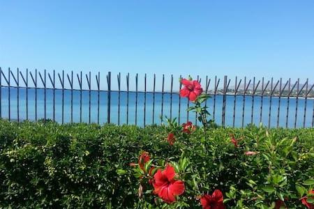 Villa Corallo sul mare - Fontane Bianche - Villa