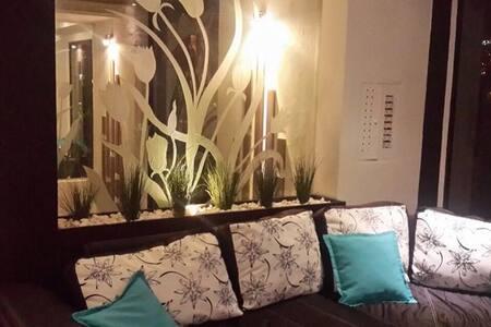 Mega Penthouse, Best 360 Deg Views. - Appartamento