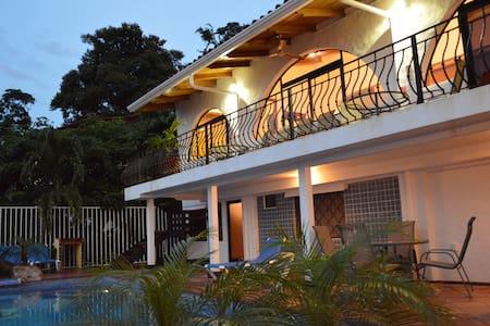 Casa Azul 218 Pajaro Azul # 2.