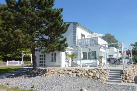 Ferienwohnung in der Villa Paradies - Daire