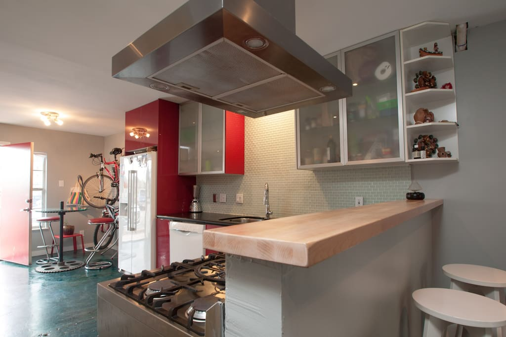 Modern Lakeside condo with bikes