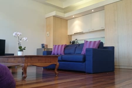 Heritage Beauty - Ideal Location - Melbourne - Apartment