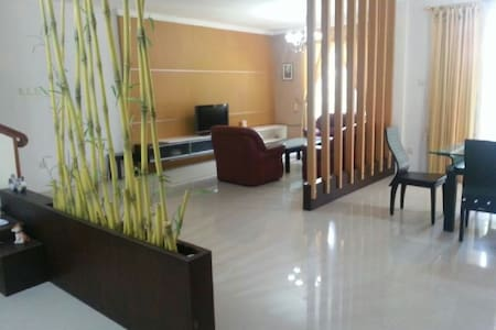 Relax at Sophisticated Villa Panbil - Batam