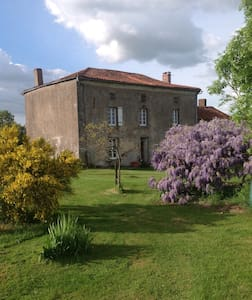 Wisteria House - Bed & Breakfast