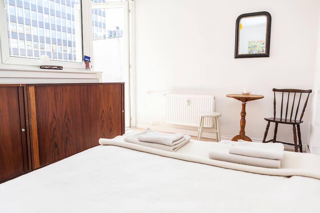 Perfect location, private cozy room