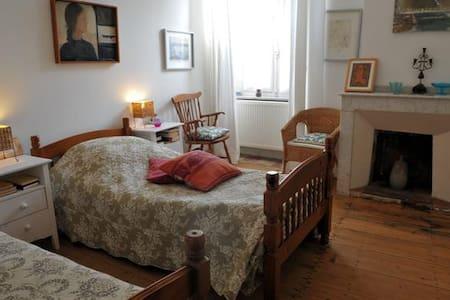 Chambre de charme près Carcassonne - Montolieu