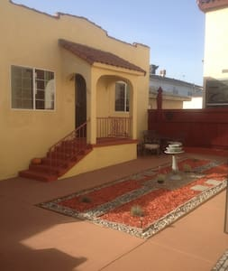 1932 Guest house w/Spanish Charm - San Pedro - Dom