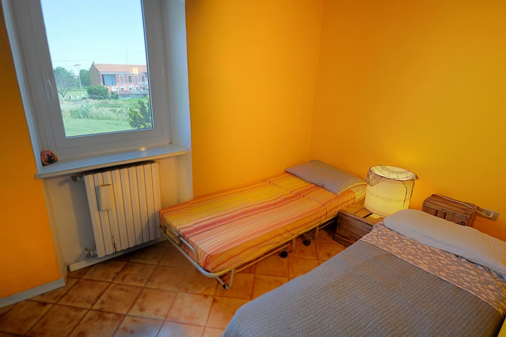 Colourful rooms in Monferrato