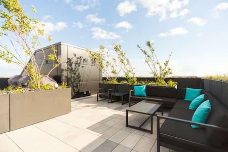 Griffintown, Rooftop + Swimming Pool - Montréal - Apartment