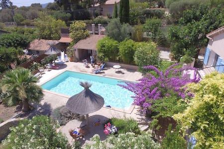 Villa splendide avec piscine - Ceyreste - House
