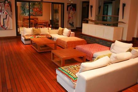 Luxury Anahita Villa, Mauritius - La Place Belgath