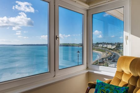 Sea-front Retro Inspired Apartment - Falmouth - Pis