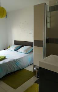 Chambre avec grande douche privée - Talo