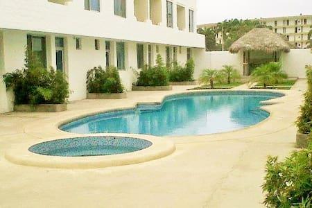 Tu Casa en Tonsupa - Casa