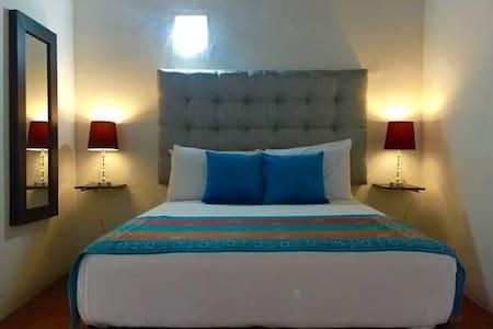"""Habitacion privada """"Montecristo"""" - Bed & Breakfast"""