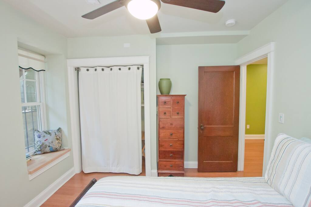 Walk to the Capitol! 2BR2BA w/patio