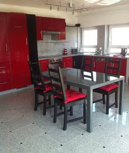 Large 2 Room Appartment, modern furniture - Appartement