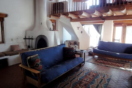 Rustic Adobe Retreat - Sleeps 10  - Talo
