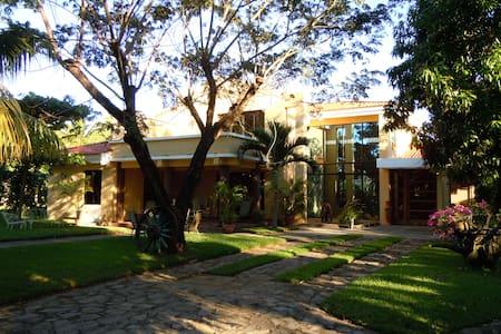 Acogedora Casa de Playa - Huis