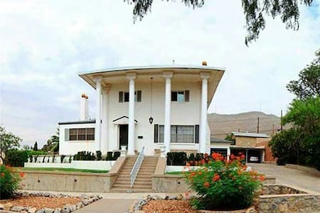 """Historic """"The White House El Paso"""" - Wohnung"""