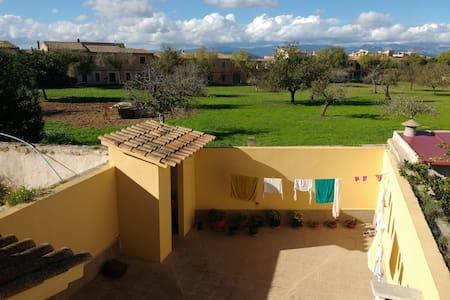 Habitación en pueblo tranquilo de Mallorca - Algaida - Hus