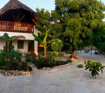 Twiga Beach Bungalows: Moja - Kizimkazi - Bed & Breakfast