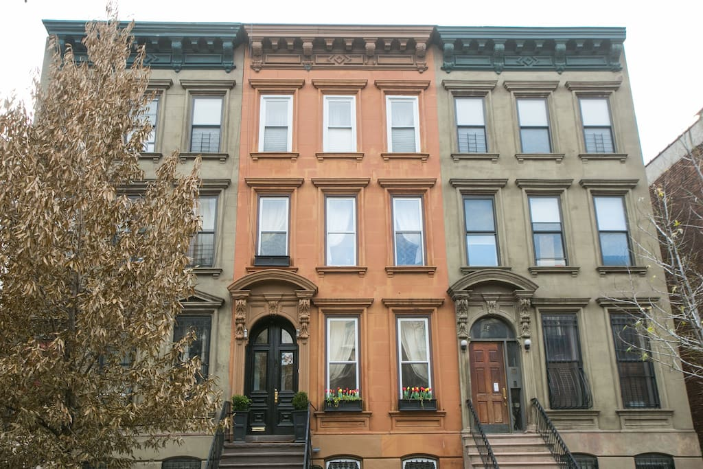 Huge 5br townhouse legal nyc b b houses for rent in for Townhouse for rent nyc