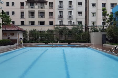 New 1 BR luxury resort, wifi&pool - Pasay City