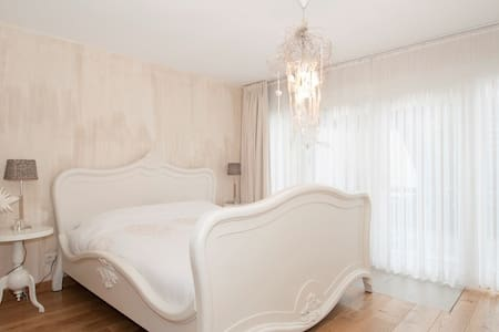 Luxurious B&B with 3 rooms - Sweet - Bed & Breakfast
