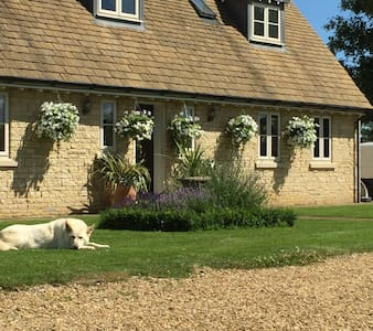 Delamere Farm Bed and Breakfast - Bed & Breakfast