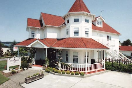 Anchorage Inn B&B - Coupeville - Bed & Breakfast
